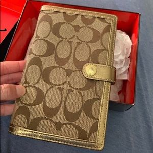 Coach wallet/notepad